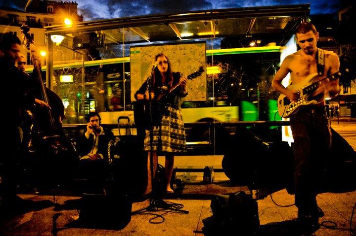 Rouge Rouge Jam avec Haylen et Pit @Place Ménilmontant le 11 NOV 2011 ©Aglaé De Mourgues