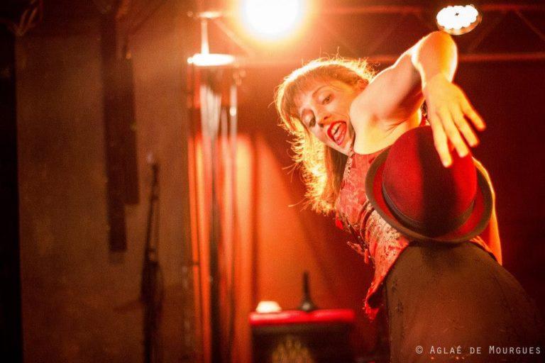 """Cabaret Comique International """"La Puta Calle"""" avec Julie Maingonat @La Bellevilloise MAI 2013 ©Aglaé De Mourgues"""