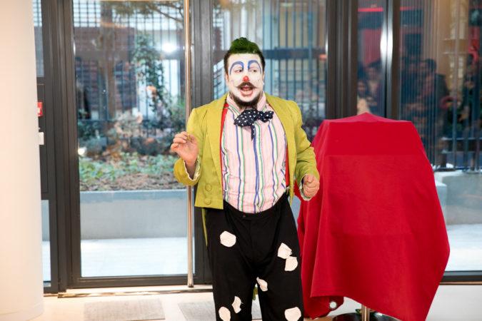 """Avec son clown """"Bumbel"""" il fait aussi le plaisir des événements privés"""